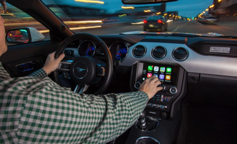SYNC 3 plus Apple CarPlay