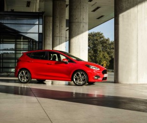 FORD_FIESTA2016_ST-LINE_PROFILE_BEAUTY_15