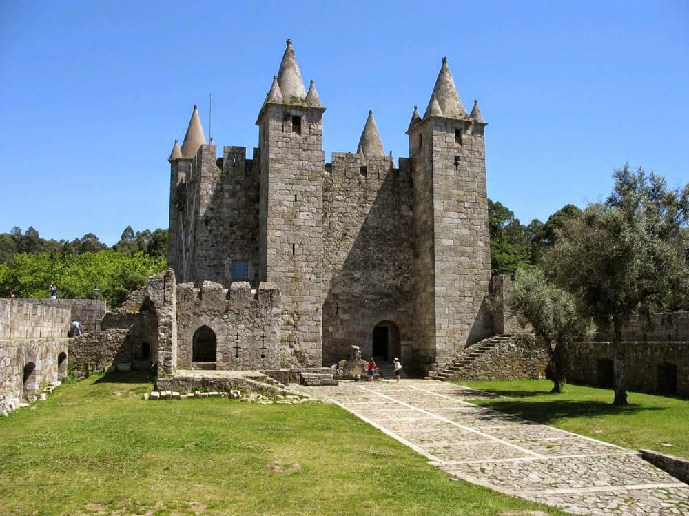 Castelo de Santa Maria da Feira - Foto: Wikimedia Commons